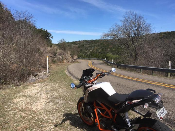 Texas Hill Country : Fredericksburg to the Three Twisted Sisters and on (USA_TTC 15)